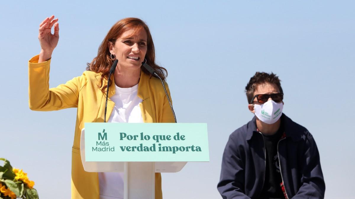 La candidata de Más Madrid a la Presidencia de la Comunidad de Madrid, Mónica García (i), y el líder de Más País, Íñigo Errejón (d), durante un mitin. (Foto: Europa Press)