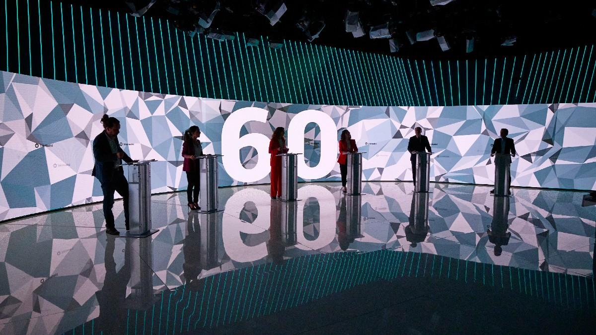 Los seis candidatos al 4M en el debate electoral.